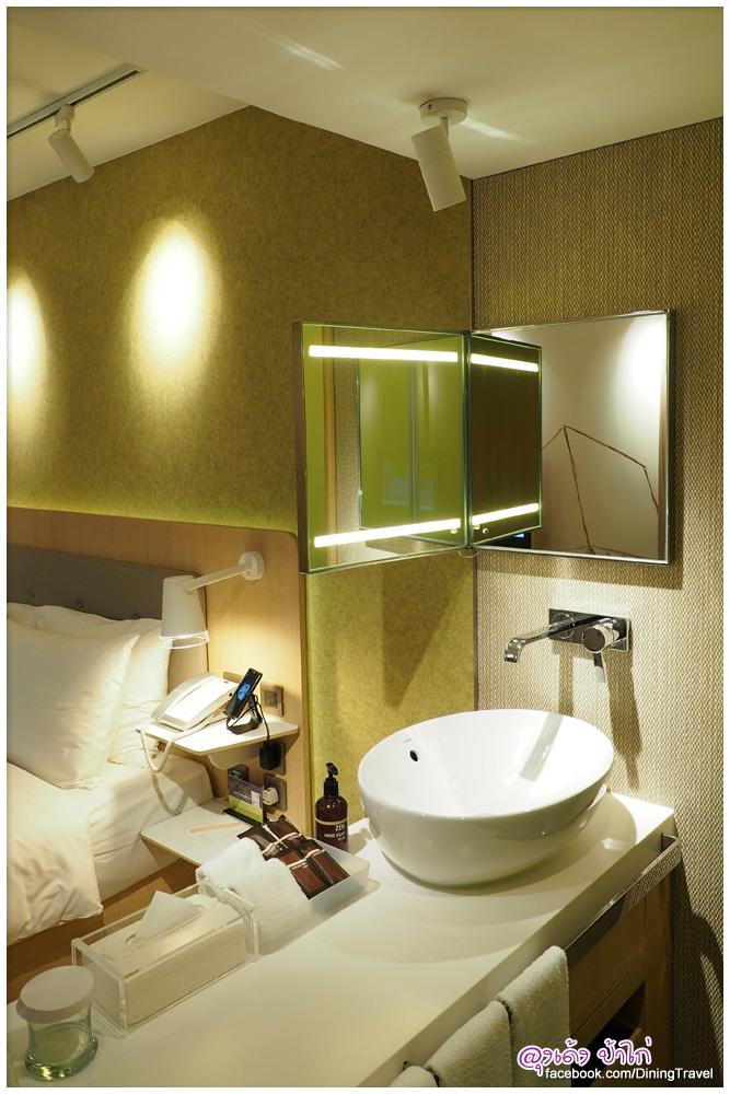 2015-eaton-Hotel-Smart-room_13