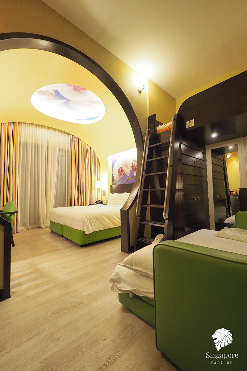 Festive Hotel