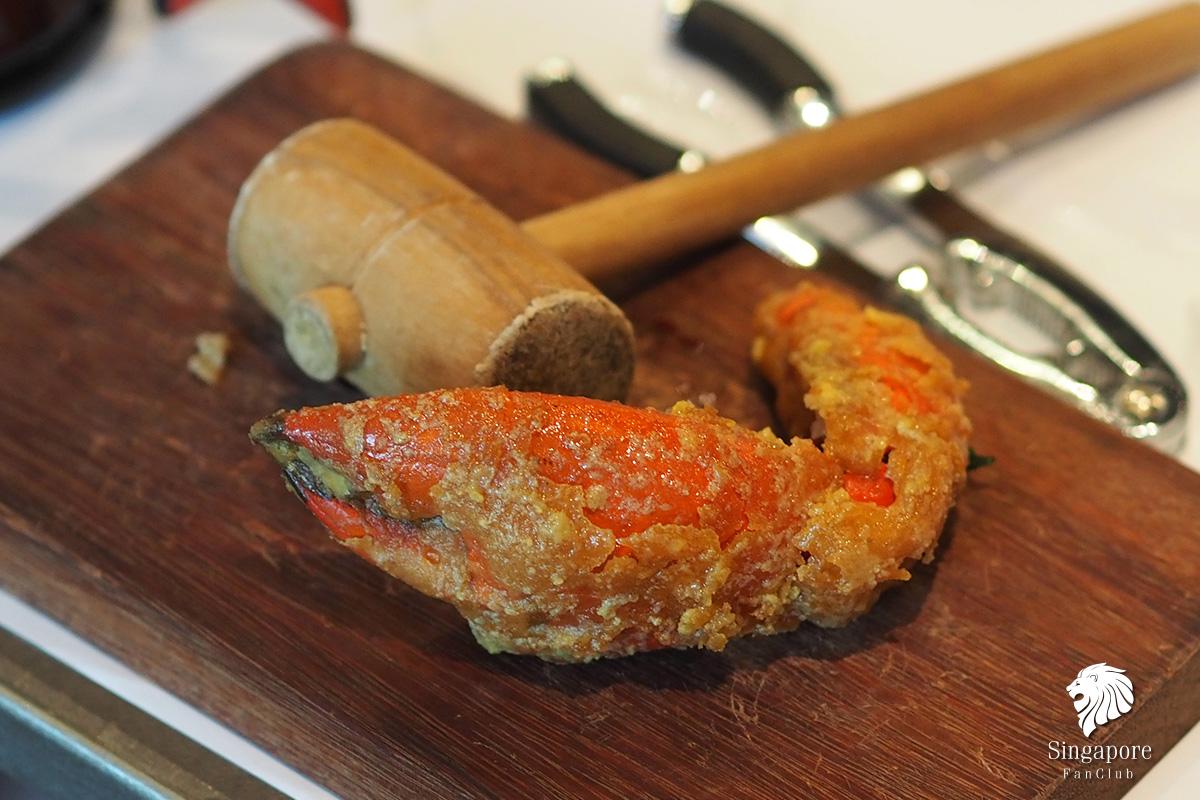 ปูผัดไข่แดงเค็ม
